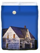 Abandoned House And Moon At Dusk Duvet Cover