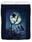 Black Bird Landing On A Branch In The Moonlight Duvet Cover