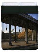 Bridge Of Bir Hakeim In Paris Duvet Cover