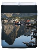 Crystal Waters At Reine Village Duvet Cover