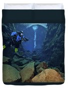 Dry Suit Divers In Gin Clear Waters Duvet Cover