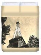 Eiffel Tower At Dusk Duvet Cover