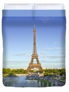 Eiffel Tower With Fontaines Duvet Cover