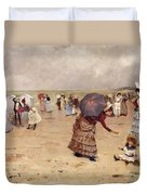 Elegant Figures On A Beach Duvet Cover