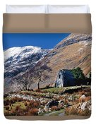Exterior Of Rustic Home Duvet Cover by Gareth McCormack