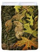 Fallen Autumn Leaves On The Shore Of Hall Lake Duvet Cover