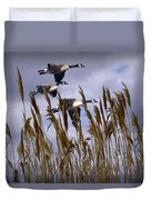 Geese Coming In For A Landing Duvet Cover