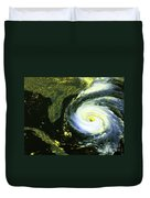 Goes 8 Satellite Image Of Hurricane Fran Duvet Cover by Science Source