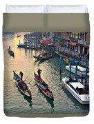 Gondolieri At Grand Canal. Venice. Italy Duvet Cover