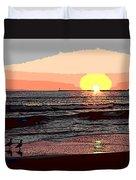 Gulls Enjoying Beach At Sunset Duvet Cover