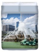 Hdr Picture Of Buckingham Fountain And Chicago Skyline Duvet Cover