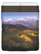 Looking At Panamint Range Duvet Cover by Tim Fitzharris