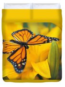 Monarch Butterfly On Flower Duvet Cover