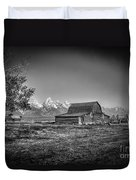 Moulton Barn Bw Duvet Cover