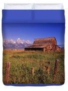 Old Barn, Grand Teton National Park Duvet Cover