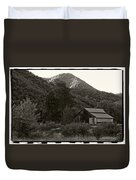 Old Barn In Black And White Duvet Cover