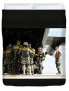 Paratroopers Gather Around The Back Duvet Cover by Stocktrek Images