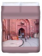 People Entering The Entrance Gate To The Red Colored Red Fort In New Delhi In India Duvet Cover