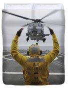 Petty Officer Guides An Sh-60r Sea Hawk Duvet Cover