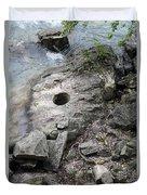 Pot Hole In Niagara River Duvet Cover