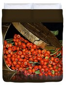 Pyracantha Berries Duvet Cover