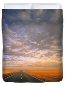 Road Into Sunset Duvet Cover
