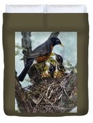 Robin And Babies In Nest Duvet Cover