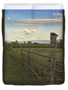 Rural Birdhouse On Fence Duvet Cover