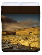 Shed In The Yorkshire Dales, England Duvet Cover