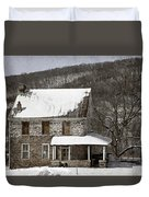 Stone Farmhouse In Snow Duvet Cover by John Stephens