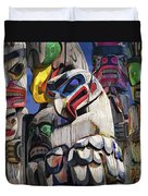 Totem Poles In The Pacific Northwest Duvet Cover