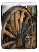 Wagon Wheel On Covered Wagon At Bar 10 Duvet Cover