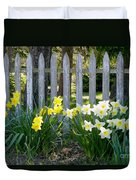 White And Yellow Daffodils Duvet Cover