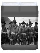 W Soldiers Standing Attention 19171918 Black Duvet Cover