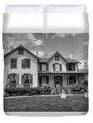 Lincoln Cottage In Black And White Duvet Cover