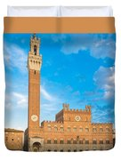 Public Palace With The Torre Del Mangia In Siena, Tuscany Duvet Cover