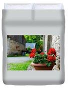 Red Garden Geranium Flowers In Pot , Close Up Shot / Geranium Fl Duvet Cover