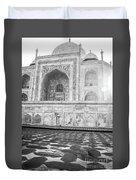 Monochrome Taj Mahal - Sunrise Duvet Cover