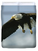 An American Bald Eagle In Flight Duvet Cover