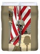 A Battlefield Memorial Cross Rifle Duvet Cover by Stocktrek Images
