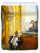Accordeonist In Florence In Italy Duvet Cover