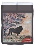 African Landscape Lion And Banya Tree At Watering Hole With Mountain And Sunset Grasses Shrubs Safar Duvet Cover