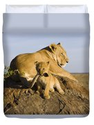 African Lion With Mother's Tail Duvet Cover by Suzi Eszterhas