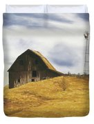 Old Barn With Windmill Duvet Cover