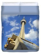Audience Sculpture And The Cn Tower Duvet Cover