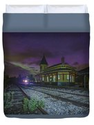 Aurora Over The Crawford Notch Depot Duvet Cover