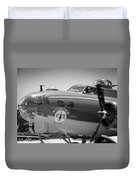 B-17 Taxiing For Departure Duvet Cover