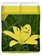 Beautiful Yellow Lily In A Garden During Spring Duvet Cover
