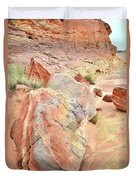 Beautifully Colored Boulders In Wash 3 - Valley Of Fire Duvet Cover