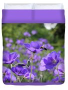 Bee On Perenial Geranium Rozanne Duvet Cover